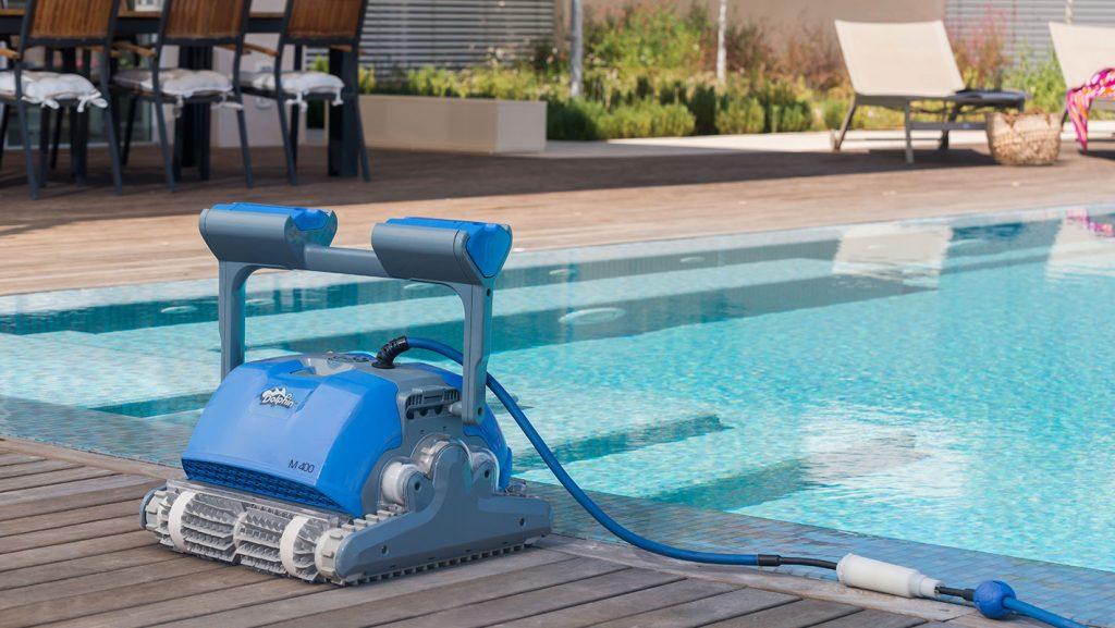 Robot-de-piscine-Dolphin-M400